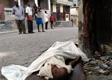 boy died in haiti.jpg (84394 bytes)