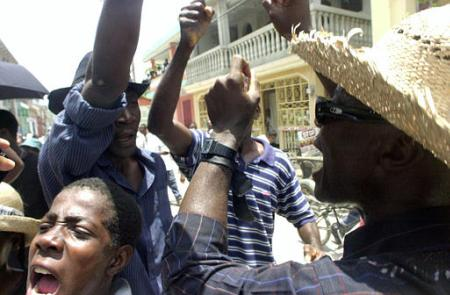 haiti journalists protest.jpg (28222 bytes)